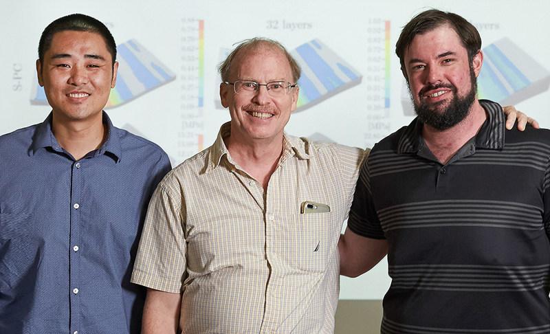 왼쪽부터 빈 왕 연구위원, 로드니 루오프 단장, 벤자민 커닝 연구위원