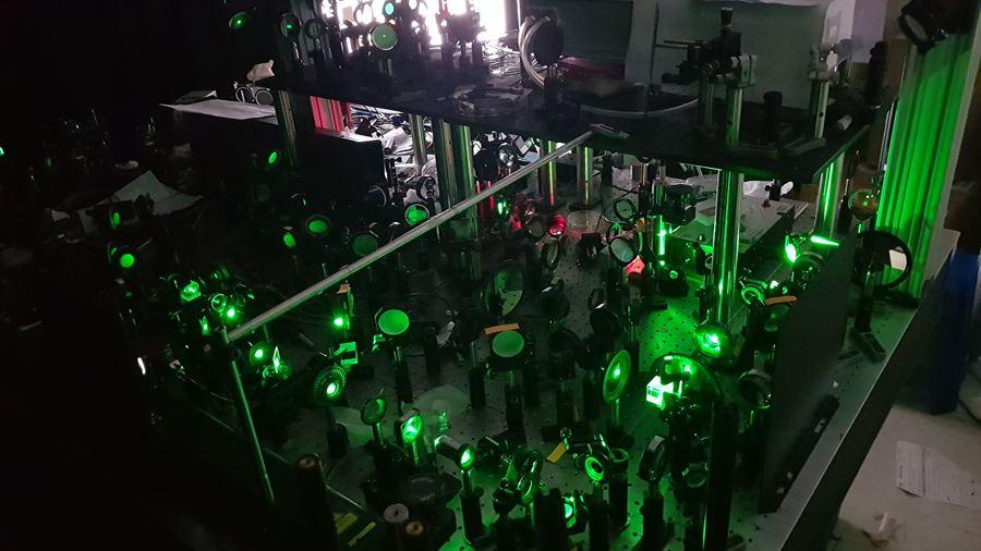 연구진이 개발한 초고속 홀로그램 현미경의 모습. 기존보다 영상획득 속도를 수십 배 이상 높여 살아있는 동물의 신경망까지 관찰할 수 있다.