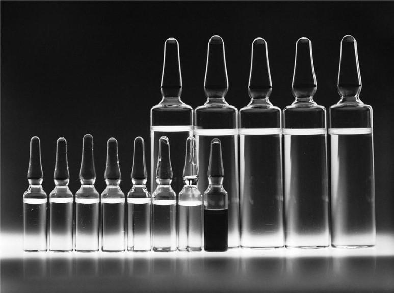 표적항암제, 면역항암제의 등장은 암의 완치 가능성을 보여줬으나, 아직까지 모든 사람을 대상으로 유효한 약제는 발견되지 않았다. (출처: 위키미디어)