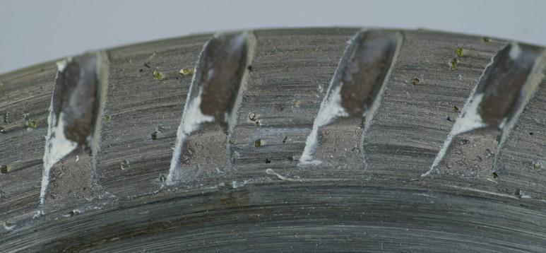 다이아몬드가 박혀 있는 다이아몬드 블레이드. 콘크리트나 대리석은 물론 거의 모든 물질을 자르고 다듬는 데 다이아몬드가 사용된다. ⓒWikimedia Commons