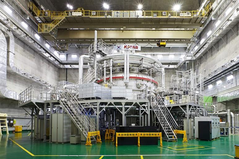 KSTAR (출처: 국가핵융합연구소)