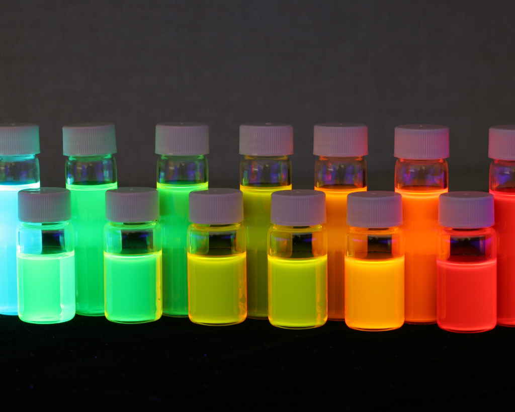 양자점 반도체는 지름이 2~10nm 수준에 불과한 양자점(Quantum Dot)의 전기적‧광학적 성질을 이용하는 기술이다. 출처: Flickr